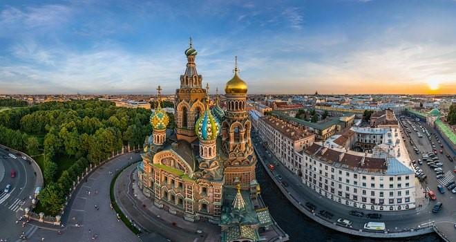 cathedrale de Saint-Sauveur à Saint-Pétersbourg