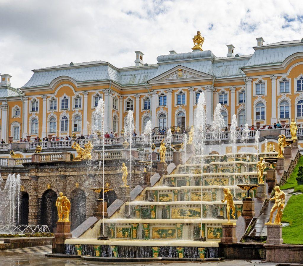 la grande cascade à Peterhof