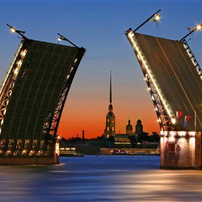 la levée des ponts à st.petersbourg