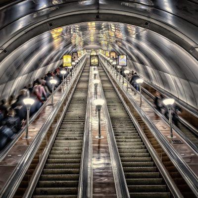 la profondeur du métro de Saint-Pétersbourg