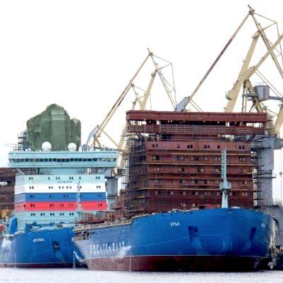 le port à Saint-Pétersbourg