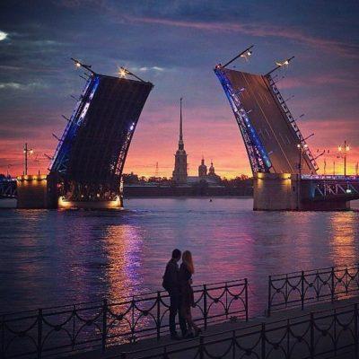 pont levis à Saint-Pétersbourg