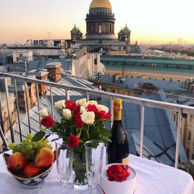 rendez-vous romantique à Saint-Pétersbourg
